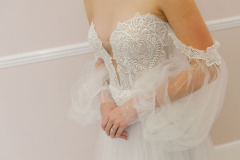 Hannah-Elizabeth-Bridal-Nostalgia-by-Amber-He-Chic-Nostaligia-Hampshire-bridal-boutique-82