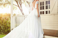 Hannah-Elizabeth-Bridal-Hampshire-bridal-Boutique-Luxury-Bridal-Boutique-Hampshire-Brides-Website-images-600