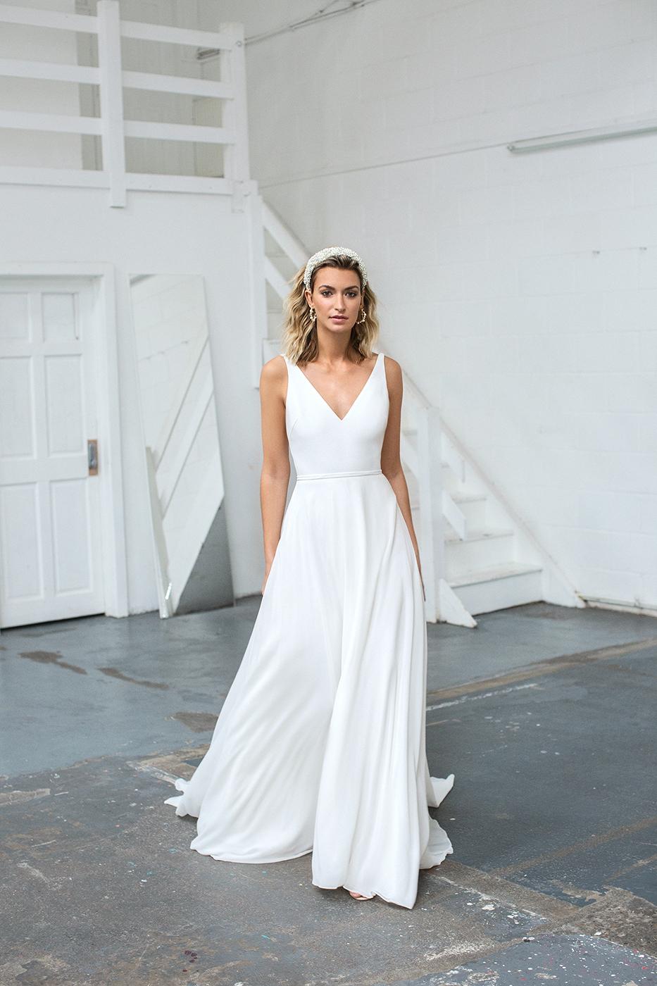 Love Story Bride, Grace   Hannah Elizabeth Bridal, Hampshire