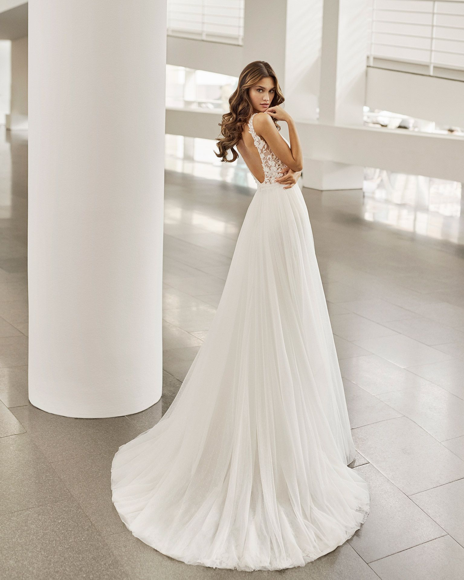 Rosa Clara 2022 - Nesire - Hannah Elizabeth Bridal Boutique Hampshire