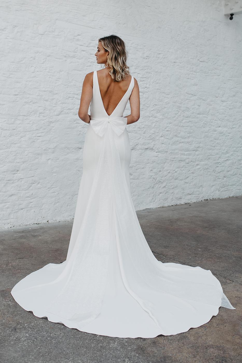 Love Story Bride, Tate   Hannah Elizabeth Bridal, Hampshire